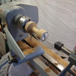 tournage sur bois du verre sur pied