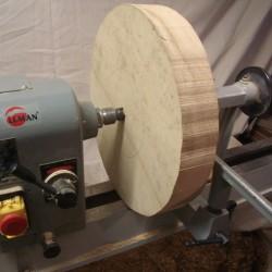 une corbeille à fruit en tournager sur bois